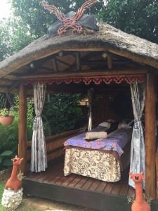 Outdoor-Single-Hut