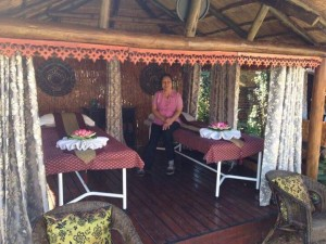 Outdoor-Twin-Massage-Hut